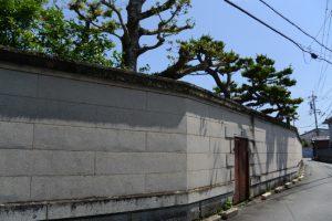 牡丹園があった敷地の塀
