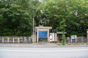 修繕が進められる坂社(伊勢市八日市場町)