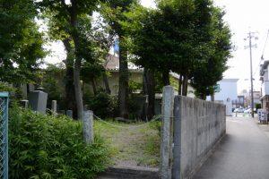 川辺公園付近の墓地(伊勢市宮後)