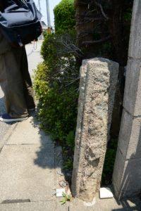 馬止めの石柱(河崎本通り)