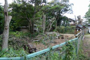庭の高木が伐採された久留山威勝寺跡、久留山荘(伊勢市辻久留)