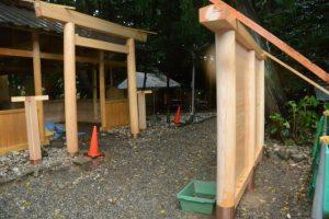 拝殿前に建て替えられた蕃塀、上社(伊勢市辻久留)