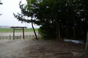 採鹹作業のために準備されたテントのフレーム(御塩浜)