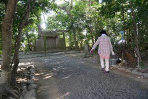 清掃当番の方々、河原神社(豊受大神宮 摂社)