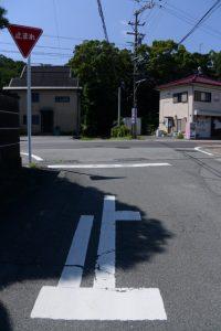 国道42号越しに望む堅田神社(皇大神宮 摂社)
