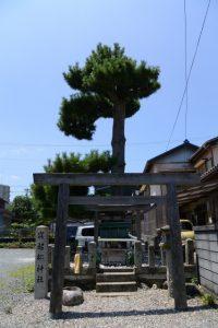 寝起松神社(伊勢市神久)