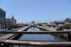 清浄坊橋から望む勢田川の下流方向