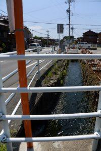 伊勢市立伊勢図書館付近を流れる勢田川浄化用水事業豊川導水路
