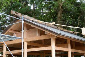 神宮から払い下げられていた御用材だった拝殿の屋根の古材、上社(伊勢市辻久留)