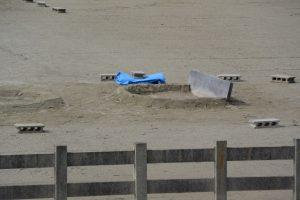沼井にはブルーシートが掛けられていた跡、御塩浜(伊勢市二見町西)