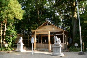 修繕に変化はないが唯一の変化を見つけた坂社の拝殿