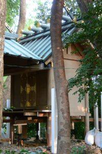 本殿の柱の根元が修繕されていた坂社(伊勢市八日市場町)