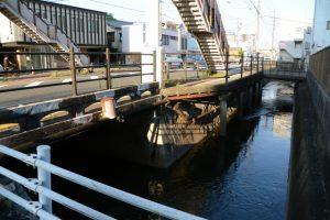 東橋付近から望む豊川