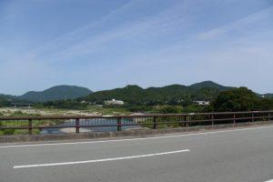内城田大橋から望む宮川の上流方向