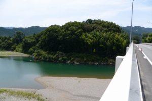 久具都比売橋から望む宮川の下流側、倭姫姫の鬢水入れ方向