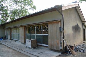 仮殿となっている社務所(五箇谷神社)