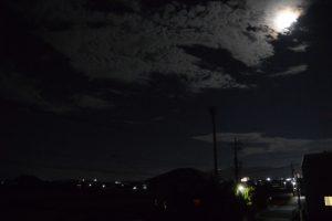自宅のベランダから望む夜の風景