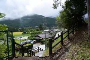 板羽稲荷参道からの風景(多気郡大台町薗)