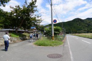 県道22号から旧八柱神社跡へ(度会町南中村)