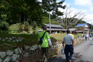 旧八柱神社跡へ(度会町南中村)