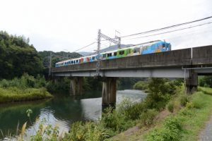 近鉄鳥羽線の五十鈴川橋梁