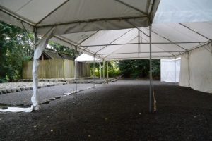 仮殿遷座祭のために雨儀廊が設置された草奈伎神社・大間国生神社(豊受大神宮 摂社)