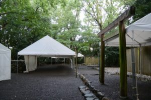 夕刻には仮殿遷座祭を迎える(た)特別な朝、草奈伎神社・大間国生神社(豊受大神宮 摂社)
