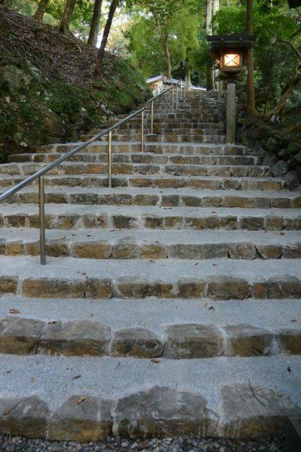 参道(階段)の改修完了、宇治神社(伊勢市宇治今在家町)