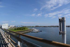 勢田川橋から眺める勢田川の下流方向