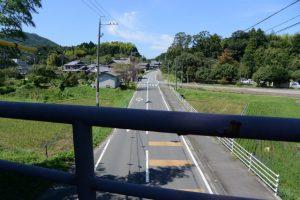 歩道橋(しごうこども園付近)から眺めた県道37号