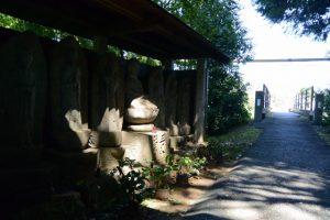 しごうこども園付近の墓地から歩道橋を渡った場所(伊勢市一宇田町)