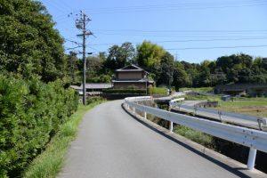 県道37号(鳥羽松阪線)から近鉄池の浦駅方向へ