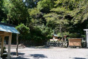 すでに解体されていた賀多神社の組立式能舞台(鳥羽市鳥羽)