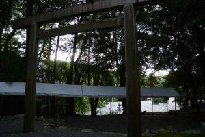 御遷座当日の早朝、仮殿となっている饗土橋姫神社(皇大神宮 所管社)からの光景