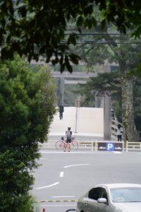 饗土橋姫神社(皇大神宮 所管社)前から望む宇治橋