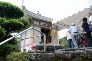 秋の観音祭・読経、正法寺観音堂(度会町注連指)