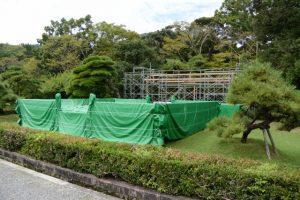 神楽祭公開舞楽のために途中まで準備されていた特設舞台(内宮神苑)