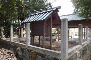 修繕が開始された牟山中臣神社(伊勢市田尻町)