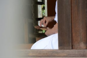 八尋殿での神御衣奉織作業(神服織機殿神社)