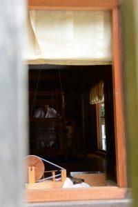 八尋殿での神御衣奉織作業(神麻続機殿神社)