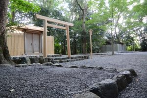 昨夕に御遷座を終えた草奈伎神社と仮殿遷座を終えた大間国生神社(ともに豊受大神宮 摂社)