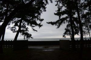 年に数回だけ開かれる二見浦海岸側の出入口(御塩殿神社)