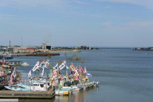 御幣鯛を奉納する太一御用船(伊勢市神社港)