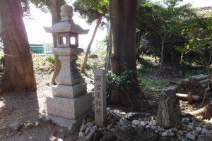 修繕中の牟山中臣神社(伊勢市田尻町)