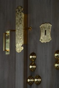御垣御門の御扉に取り付けられた飾り金物、今社(伊勢市宮町)
