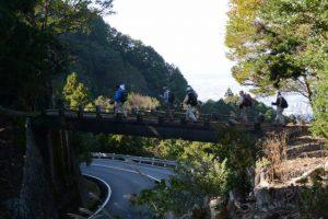 伊勢志摩スカイラインに架かる清水橋、宇治岳道(朝熊峠〜登り口)