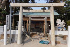 修繕が進められる牟山中臣神社(伊勢市田尻町)