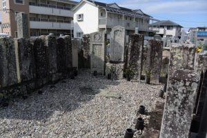 村井家の墓所(⑨船江の墓地)