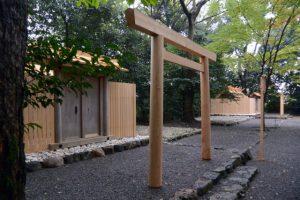 仮殿となっている草奈伎神社と近々御遷座を迎える大間国生神社(豊受大神宮 摂社)