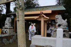 白石奉献を終えて、牟山中臣神社(伊勢市田尻町)